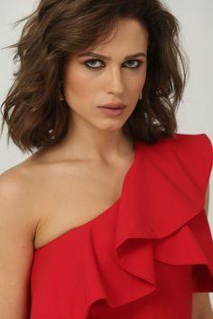 Romania, One Shoulder, Beautiful Women, Blouse, Fashion, Moda, Fashion Styles, Beauty Women, Blouses