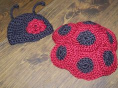 Newborn ladybug crochet photo prophat and shell by CraftsbyNic I would LOVE to use this in a photo shoot!!