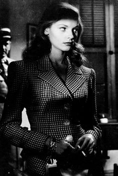 Lauren Bacall in TO HAVE AND HAVE NOT The future Slim Keith advised on wardrobe. Better yet, she and Bacall became lifelong friends. This is also the movie where Bacall met, and fell in love with, Humphrey Bogart Glamour Hollywoodien, Old Hollywood Glamour, Vintage Hollywood, Hollywood Stars, Vintage Glamour, Lauren Bacall, Slim Keith, Divas, Bogie And Bacall
