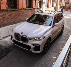 Best Midsize Suv, Bmw X7, New Bmw, Instagram And Snapchat, Bmw Cars, Luxury Cars, Cool Cars, Dream Cars, Life Goals