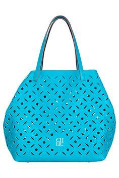 Ᏸɽҽaƙʄaʂʈ aʈ Ƭ¡ʄʄaŋƴ'ʂ Carolina Herrera Best Handbags, Tote Handbags, Purses And Handbags, Dolce & Gabbana, Design Bleu, Hermes, Dior, Prada, Valentino