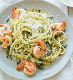 Shrimp Scampi with Linguine | It's hard to go wrong with good old-fashioned shrimp scampi served on a bed of linguine. Since this is such a simple dish, use the best-quality shrimp you can find.