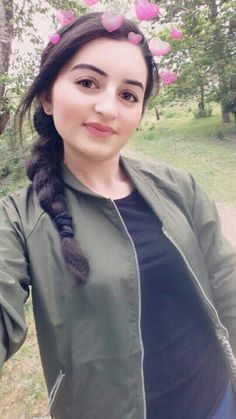 Anupriya Beautiful Girl Photo, Cute Girl Photo, Girl Photo Poses, Girl Photos, Beautiful Pictures, Stylish Girls Photos, Stylish Girl Pic, Cute Couple Selfies, Snapchat Girls