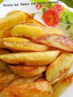 : Kuhano-pečeni krumpir - My site Potato Recipes, Baking Recipes, Great Recipes, Whole Food Recipes, Dessert Recipes, Healthy Recipes, Vegetarian Recipes, Albanian Recipes, Bosnian Recipes