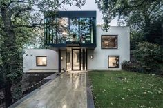 London House in the woods, London, 2014 - Rado Iliev