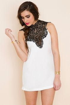 Si belle! Love the contrast of the black crochet against the ivory