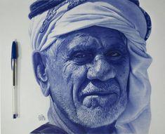 dessins realistes stylo bic bleu