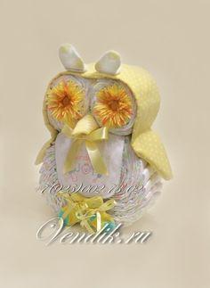 • Большая сова из памперсов и детских вещей (Злолотистая) - Торты из памперсов и беби букеты из детской одежды и другие подарки для новорожденных от Ирины Вендик