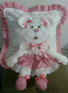 Kids Pillows, Animal Pillows, Modern Shabby Chic, Hand Work Embroidery, Doll Sewing Patterns, Newspaper Crafts, Fabric Dolls, Shabby Chic Furniture, Baby Sewing
