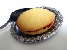Mämmi: Spoon Biscuits ‒ Lusikkaleivät