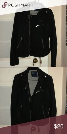 American Eagle Super Soft Coat 100% Cotton Unlike stiff, stuffy jackets, this one is super soft and extra comfortable. It literally feels like you're wearing a sweatshirt! Look cute without the discomfort!  Wonderful condition! American Eagle Outfitters Jackets & Coats