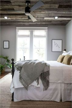 Cool 88 Relaxing Rustic Farmhouse Master Bedroom Ideas. More at http://www.88homedecor.com/2018/02/09/88-relaxing-rustic-farmhouse-master-bedroom-ideas/