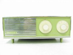 1950's ZENITH Solid State Radio In Avocado Green