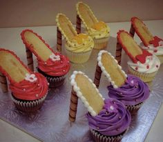 Too adorable, high heel cupcakes