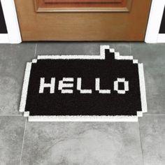 O Capacho Hello, decora a entrada da sua casa em grande estilo.  Decore a porta de entrada, quartos, salas ou o ambiente que preferir.