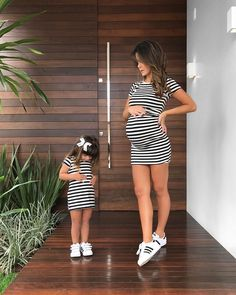 Mommy and baby girl matching outfits : Super Cute Style - Inspired Beauty Pregnancy Outfits, Baby Outfits Newborn, Early Pregnancy, Mommy And Me Outfits, Kids Outfits, Maternity Dresses, Maternity Fashion, Mom Daughter, Mother Daughter Outfits