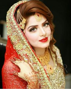 28 Best Bridal Hairstyles For Mehndi Barat Walima Images Wedding