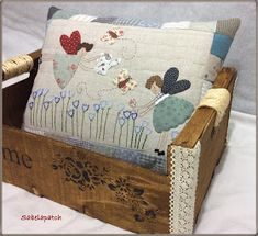 Pillow Crafts, Diy Pillows, Patchwork Cushion, Quilted Pillow, Quilt Stitching, Wool Applique, Fabric Scraps, Pin Cushions, Diy And Crafts