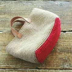 Marvelous Crochet A Shell Stitch Purse Bag Ideas. Wonderful Crochet A Shell Stitch Purse Bag Ideas. Crochet Diy, Crochet Tote, Crochet Handbags, Crochet Purses, Tote Purse, Clutch Bag, Crochet Shell Stitch, Diy Bags Purses, Purse Patterns