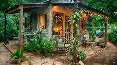 7 tips for creating a rustic garden. #gardenplan #gardenornament #gardenseating
