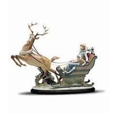 Hummel Figurines, Antique Decor, Creative Decor, Winter Wonderland, Art Gallery, Lion Sculpture, Statue, Antiques, Xmas Tree