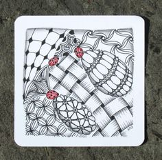 adding just a touch to a zentangle - Sue's tangle trips