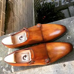 RAMON CUBERTA| BESPOKE BARCELONA Limited edition RTW Double Monkstrap Crust Calf. Available in our Shop on-line: www.ramoncuberta.com  #barcelonadesign #readytowear #rtw #benchmade #shoemakers #shoestagram #shoestagram #shoeslover #shoegazing #classicshoes #luxuryshoes #menshoes #sartorialist #gents #dandy #thebarcelonist #bcndelicatessen