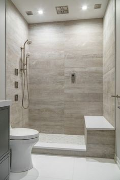 Nice 105 Fresh Small Master Bathroom Remodel Ideas https://homearchite.com/2018/02/22/105-fresh-small-master-bathroom-remodel-ideas/