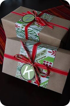 Alive and Livin': Christmas Gift Wrapping Ideas. I like the simplicity.