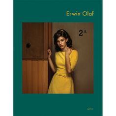 In his recent works, Dutch photographer Erwin Olaf alludes to classic Americana, such as paintings by Norman Rockwell, at once materializing and under. Erwin Olaf, Color Photography, Portrait Photography, Photography Ideas, Monet, Cinematic Photography, Photo Art, Vintage Fashion, People
