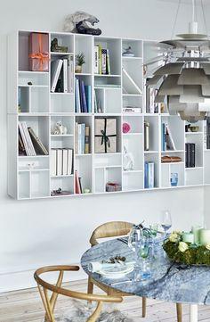 En ombygning med deadline d. Hygge, Garderobe Design, Interior Design Living Room, Interior Decorating, Montana Furniture, Cool Office, New Room, Interior Inspiration, Bookcase
