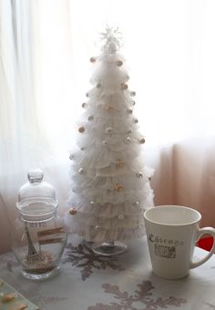 DIY:: BEAUTIFUL Upcycled  Dryer Sheets Tree Tutorial