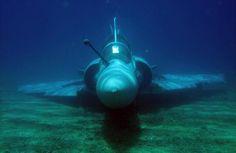 """Mirage 2000. C'est pas marqué dans le mode d'emploi le mode """"sous-marin""""."""