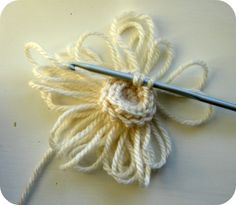 A Blade of Grass: Loopy Flower Brooch Free Crochet Tutorial