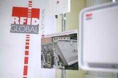 L'ambiente in RFID Global: l'RFID Testing Center, fucina attiva in continua evoluzione! Particolare del sistema RFID UHF all-in-one RedWave Oberon 350 per la raccolta smart dei rifiuti
