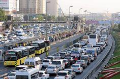http://turkkey.ru/polzujtes-obshhestvennym-transportom-v-stambule/  В #Стамбуле, мягко говоря, существуют некоторые проблемы с дорожным движением. Дороги сильно загружены, обычным делом являются пробки, особенно с 7 до 10 утра и с 16:00 до позднего вечера. В связи с таким положением вещей общественный транспорт в Стамбуле становится прекрасной альтернативой.  #турция #стамбул #метростамбула #автобусы #фуникулер #общественныйтранспорт #картаметро