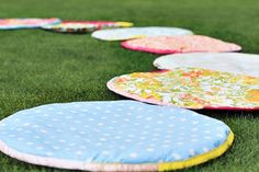 how to make situpons (sit-upons) for girl scouts via lilblueboo.com