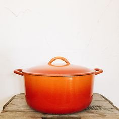 You guessed it! It's a vintage Dutch Oven! This little sunburst of amazingness will be listed later today  #fernwoodgoods