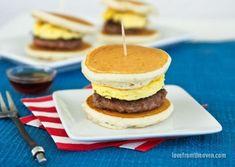 Slider Recipes - How to Make Sliders Bite Size Breakfast, Breakfast Slider, Breakfast For Dinner, Breakfast Bites, Breakfast Sandwiches, Brunch Recipes, Breakfast Recipes, Brunch Ideas, Dinner Ideas