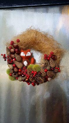 Sfeervolle najaarskrans met spullen vande Action. Dat vosje :P   by Dionne Hamstra    DIY met de Action   Bespaarmama
