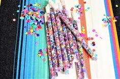 Set of 12 confetti sticks/straws