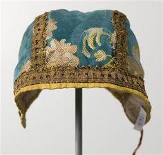 17th/18thc. Children's hat, silk and metallic thread
