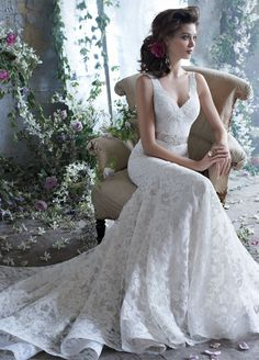 Tara Keely: Sophisticated Wedding Dresses for the Modern Bride. To see more: http://www.modwedding.com/2013/05/22/tara-keely-dresses/ #wedding #weddings #fashion