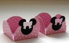 Forminhas de doces para festa da Minnie Rosa. papel de alta qualidade. Para outras cores e temas favor consultar. R$ 0,73