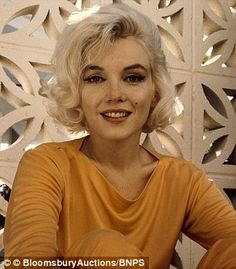 Courtney Stodden mimics Marilyn Monroe in all-orange for PETA bash in LA | Daily Mail Online