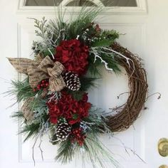 Christmas Wreath-Winter Wreath-Christmas Wreath for Front Door-Holiday Hydrangea Wreath-Snowy Wreath-Traditional Wreath-Berry Wreath Loja de Natal: Grinalda de Natal-Grinalda de Inverno-Grinalda de … Christmas Wreaths For Front Door, Holiday Wreaths, Holiday Crafts, Winter Wreaths, Holiday Decor, Spring Wreaths, Summer Wreath, Summer Crafts, Noel Christmas