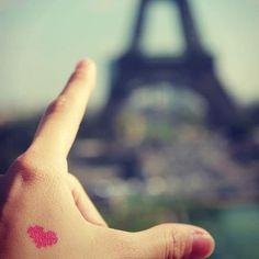 Photo by nenettobello - Tatouage temporaire - Coeur - http://www.bernardforever.fr/products/des-pixels-et-des-hommes