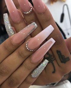 How to choose your fake nails? - My Nails Aycrlic Nails, Glam Nails, Bling Nails, Hair And Nails, Manicure, Rhinestone Nails, Nagellack Design, Fire Nails, Best Acrylic Nails