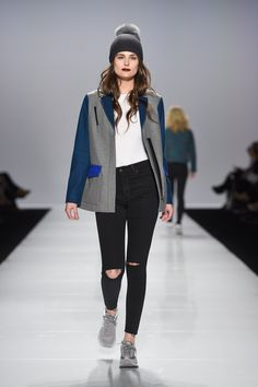 The best looks at Toronto Fashion Week F/W 2016 - 2017: Ellie Mae http://en.louloumagazine.com/fashion/fashion-trends/the-best-runway-looks-at-toronto-fashion-week-fw-2016-2017-tfw/