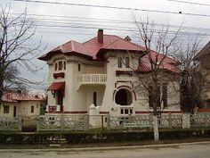 Imagini vechi din Romania | Povesti : Poze de la Târgovişte Beautiful Architecture, Building Plans, Old Houses, Anna, Exterior, House Design, Homes, Mansions, House Styles